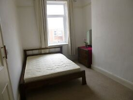 Double room in friendly three-bed house Gateshead, all bills included