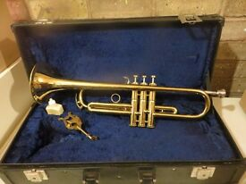 Amati Kraslice Trumpet Model ATR-201 in original hard case. Ideal starter trumpet. Good condition.
