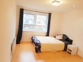 Viewing on 29-Aug. SPACIOUS 2 Double rooms in recent built flat - 6 mins walk to East Croydon Stn