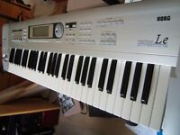 Korg Triton LE Synthesiser with Sampling upgrade board, memory card and stand