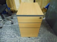3 drawer locking filing cabinet with 2 smaller drawers. i can deliver