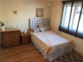 *****GORGEOUS DOUBLE BEDROOM - ALL BILLS INCLUDED****
