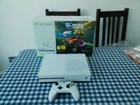 Xbox One S white console 4mths old