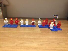 Lego spacemen x 13