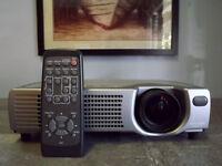 Hitachi Projector CP-X328 - Excellent Condition - Incl Accessories