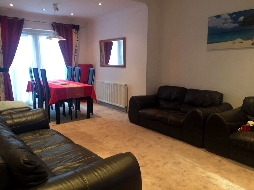 4 BEDROOM HOUSE TO RENT ASAP - £2000.00