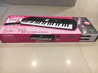 Electronic Keyboard - pink CASIO