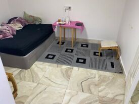 FANTASTIC STUDIO FLAT WITH SEPARATE KITCHEN AND BATHROOM INCLUDING ALL BILLS