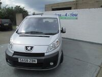 2008 [late] peugeot expert 2 LT 9 seater full years mot uk bus base derry belfast open 7 days week