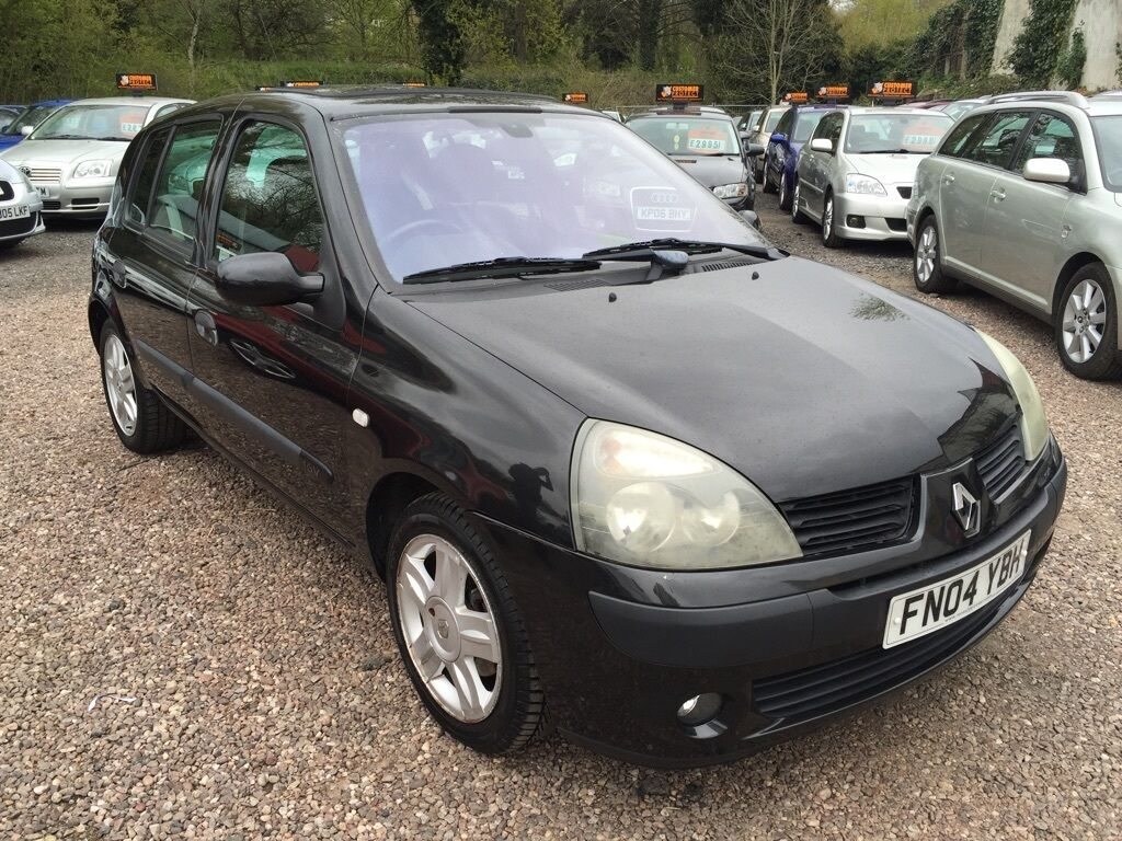renault clio 1 2 16v dynamique 5dr black 2004 in stourbridge west midlands gumtree. Black Bedroom Furniture Sets. Home Design Ideas