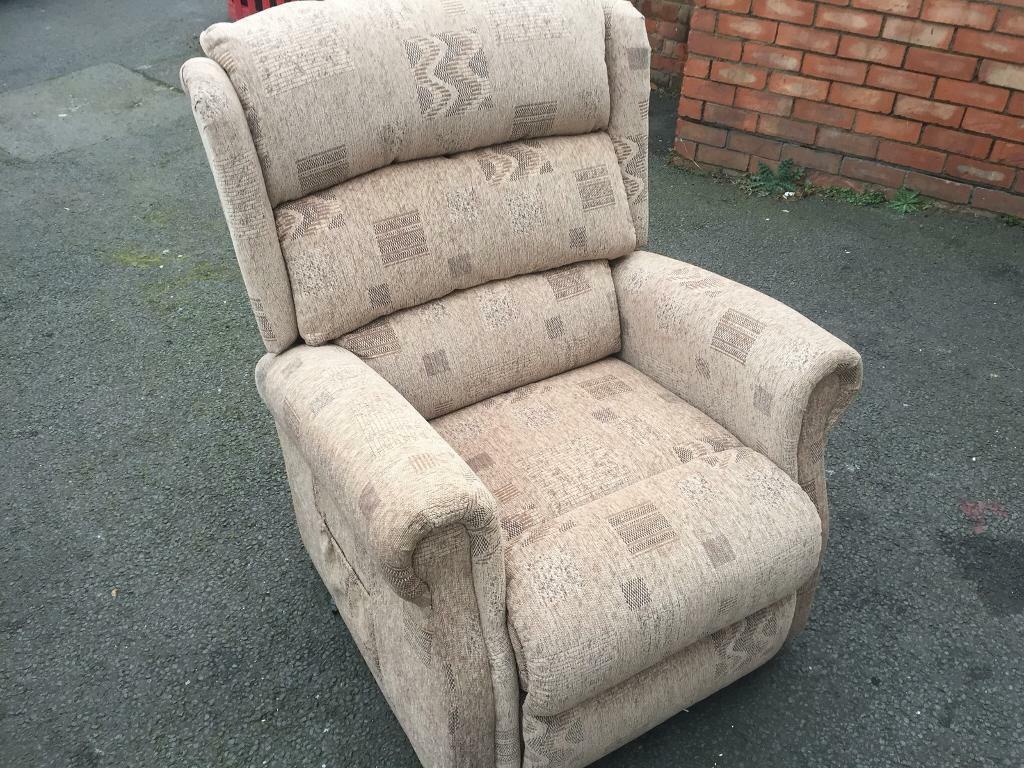 Electric tilt reclynor chair new