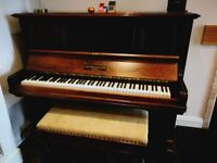 John Broadwood & Sons overstrung upright piano (1902), Rosewood case, great condition.