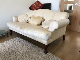 Lovely 3-pc sofa suite (2x3-seater and 1x2-seater)