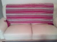 Throw suitable for bed/settee