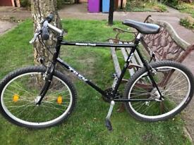 26 inch Trek mountain bike, big frame (22.5 inch)