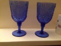 2 plastic goblets