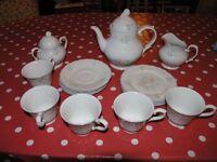 Royal Doulton Valencia English Porcelain Tea Set Moselle Collection