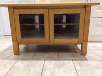 Solid Wood TV Unit / Stand / Cabinet in very good condition