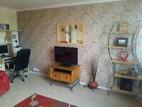 Double bedroom within large 3 bedroom Kirkintilloch town centre flat for rent