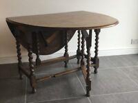Oak gate leg table seat 4 - 6