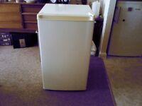 larder fridge £30