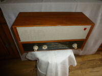 Vintage 1960s Philips valve radio B4G37U ,used, working, good condition ,a few scuffs