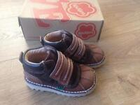 Kickers size 7 infant immaculate