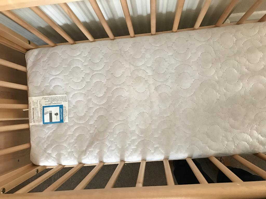 Leipold crib for sale - Newborn Crib For Sale Edgware Image 1 Of 2