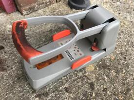 Industrial hole punch