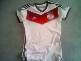 GERMANY NATIONAL FOOTBALL TOP SIZE MEDIUM MENS