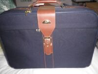 SAMSONITE blue suitcase with two wheels in good clean condition