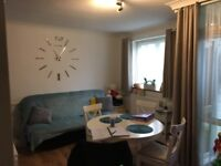 Large 3 bedroom flat, great location with Balcony
