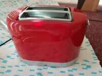 Swan 2 slot toaster in red with wide slots