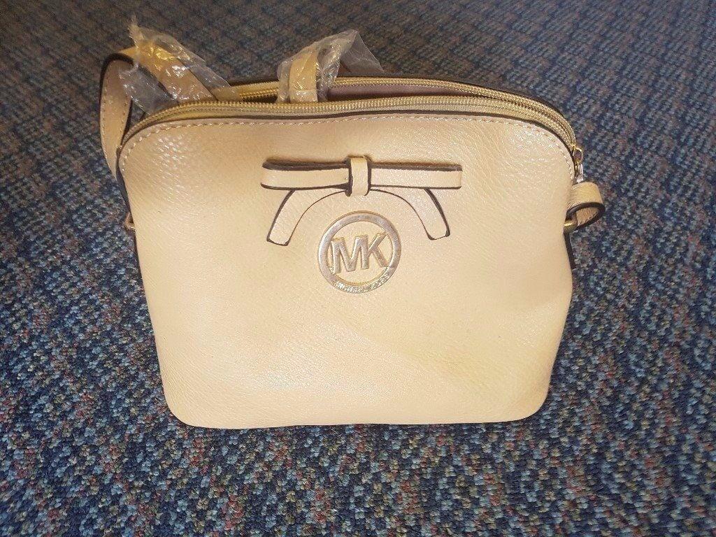 Brand new Michael Kors designer handbag with internal pockets - Cream