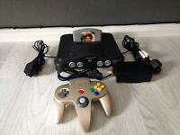 Nintendo 64 console with 007 goldeneye game n64