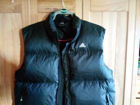 Adidas body warmer large