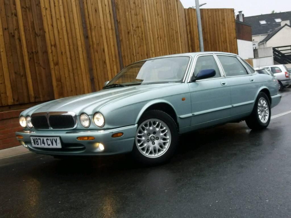 For sale Jaguar XJ8 2000 YEAR AUTOMATIC LOW MILES PX SWAPS