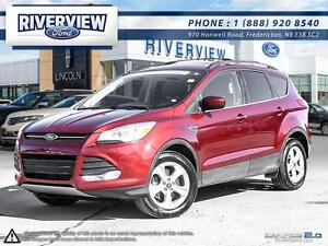 2014 Ford Escape SE 4WD   1.9%!! Free Extended Warranty!!