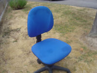 swivell computer adjustable chair in leicester