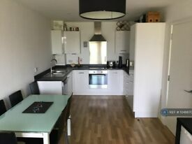 1 bedroom flat in Bloemfontein Road, London, W12 (1 bed) (#1048870)