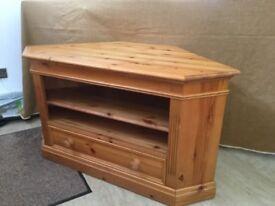 TV corner TV stand/cabinet - Pinetum Roman Range