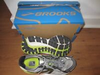 Like New: Brooks Ghost 8 running shoe size 7wide