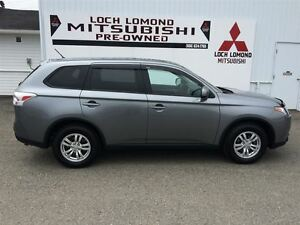 2015 Mitsubishi Outlander ES, GREAT ON FUEL A/C POWER GROUP, AWD