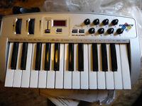 M Audio Oxygen 8