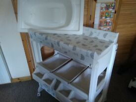 Immaculate changing table complete with bath.