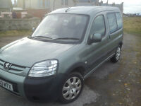 peugeot partner 2.0 hdi 2003. spares or repair