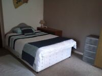 Double room for rent,opp the new royal infirmary,little france