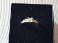 Beautiful white gold diamond ring