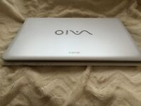sony vaio 17.3 screen sve1712que immaculate condition
