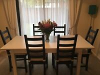Extendable Dinning Room Table and Chairs